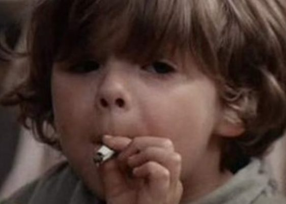 niño-kid-mariguana-pot-smoking-fumar
