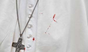 Papa Francisco sangre tropieza