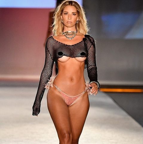 Video Porno Hot Lingerie Fashion Show