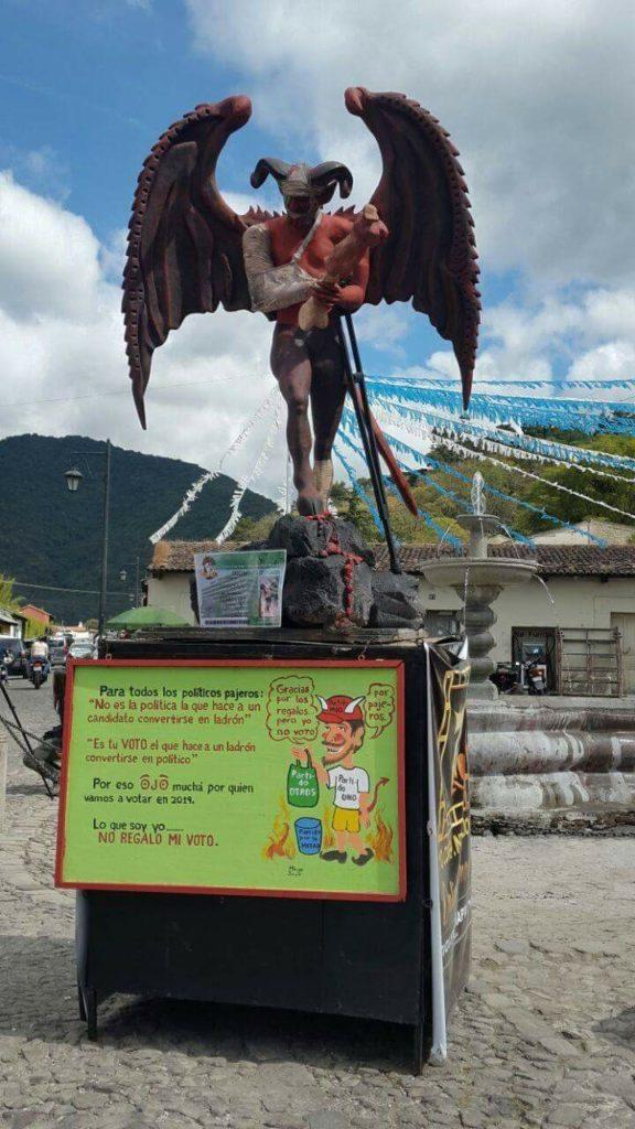 diablo-antigua guatemala-destrozo