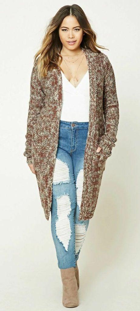 Cardigan, botas, ripped jeans, jeans, jeans rotos, moda, plus size, frío, invierno, diciembre