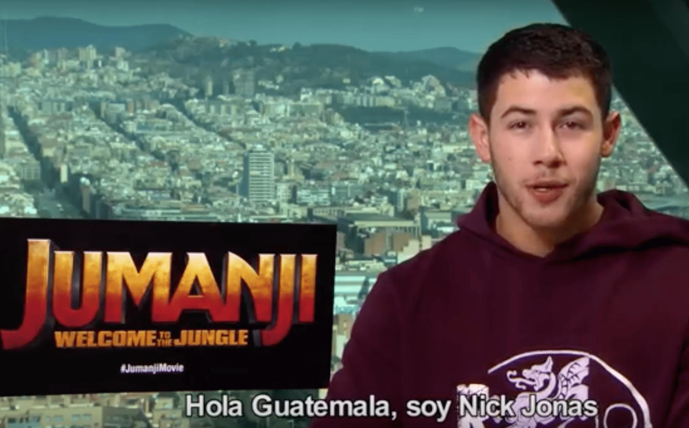 nick jonas-guatemala-saludo-jumanji