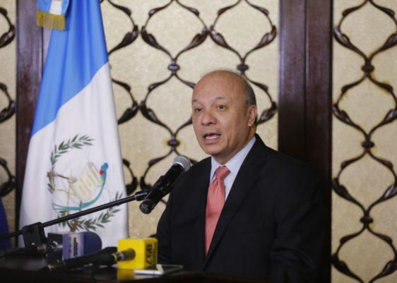Ministro de Cultura y Deportes-José Luis Chea Urruela-salón de recepciones