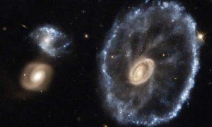ESA-Hubble-NASA-cartwheel-rueda-de-carro