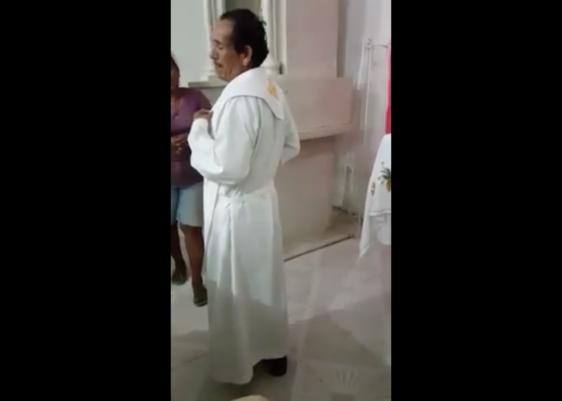 sacerdote, pederasta, denuncia, expulsión