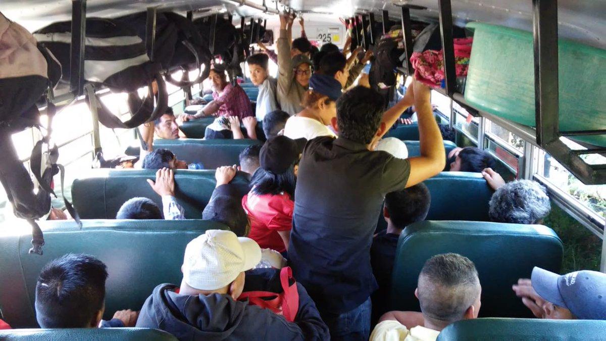 Cuarta caravana de salvadoreños sale rumbo a Estados Unidos